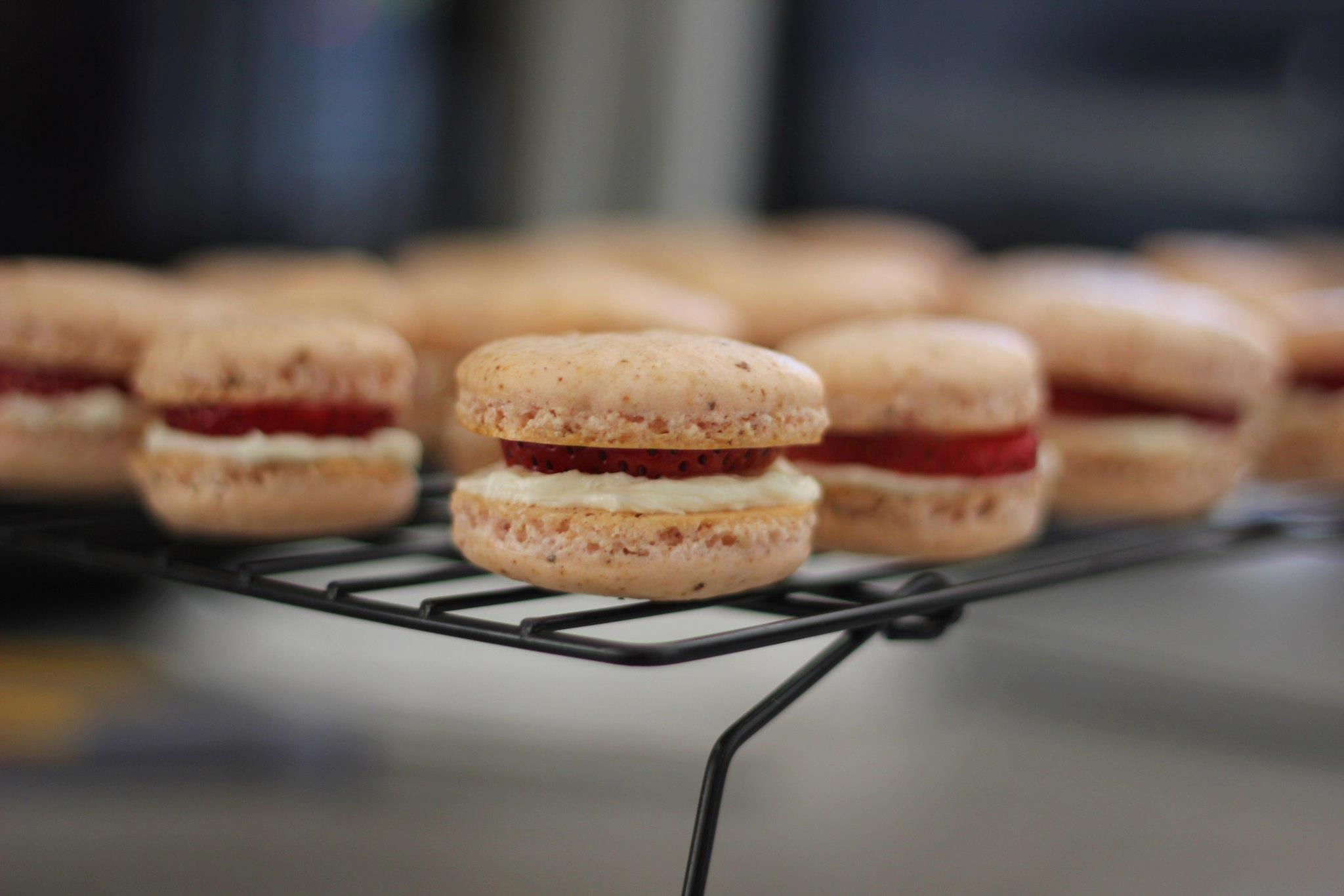 Strawberry Macarons with Vanilla Bean Buttercream and ...